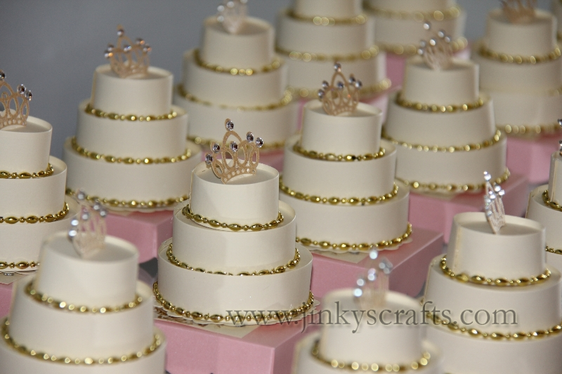 soft-pink-gold-royal-princess-invites2