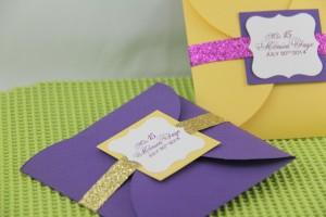 Petal Pochette Easel Card